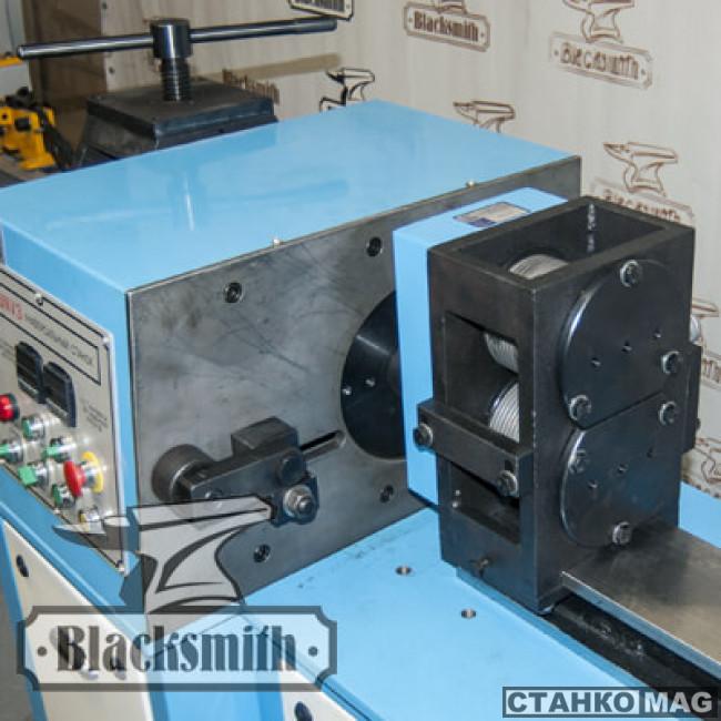 Универсальный кузнечный станок Blacksmith UNV3-02
